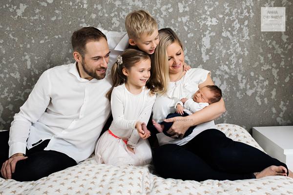 vastasyntyneen-vauvan-kuvaus-espoo-valokuvaaja-anna-dammert